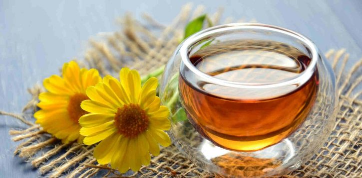 Bere il tè con regolarità fa bene