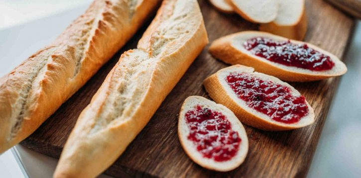 Pane e marmellata è la colazione ideale o troppo zucchero?
